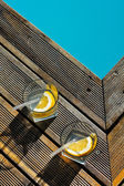 Pool and drink — Stock Photo