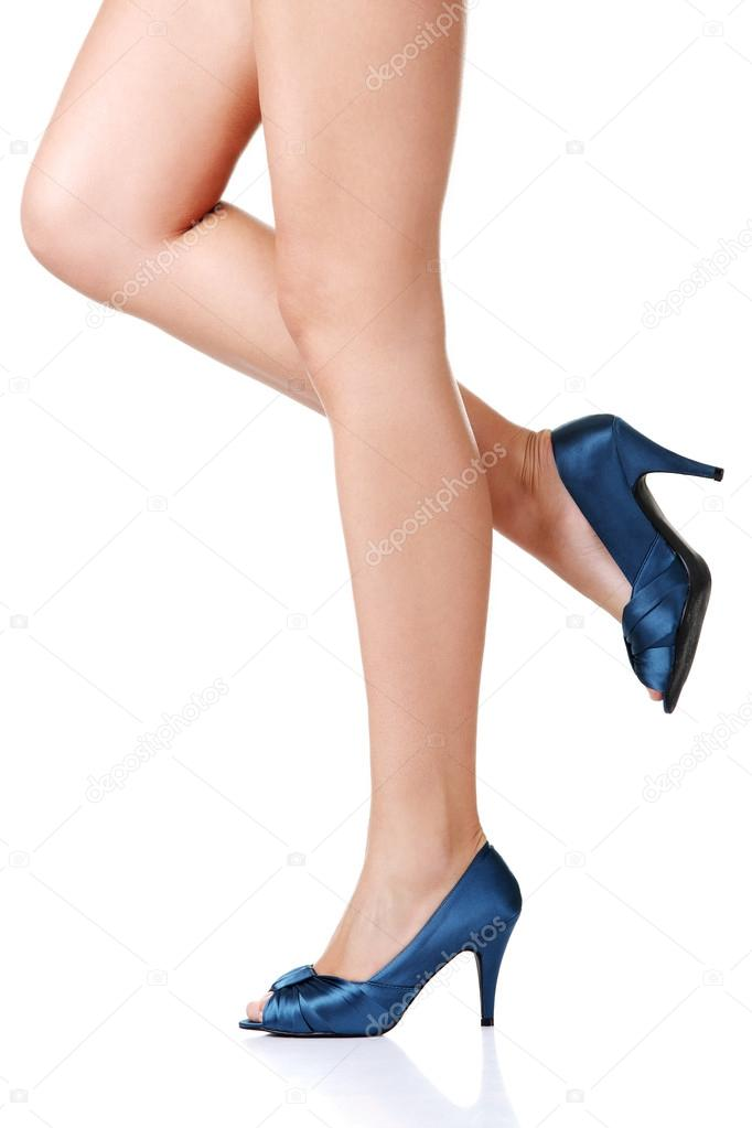 Woman's leg and high heel shoes ,isolated on white — Stock Photo #13619944
