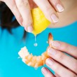 Eating shrimp — Stock Photo #21332877
