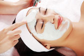Beauty treatment in spa salon. — Stock Photo
