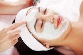 Beauty treatment in spa salon. — Stock Photo