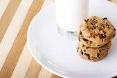 Cookies and milk — Stock Photo