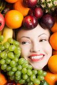 水果中的女人脸. — 图库照片