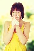 Kvinna med allergi — Stockfoto