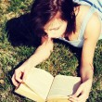 Woman reading book — Stock Photo #42257157