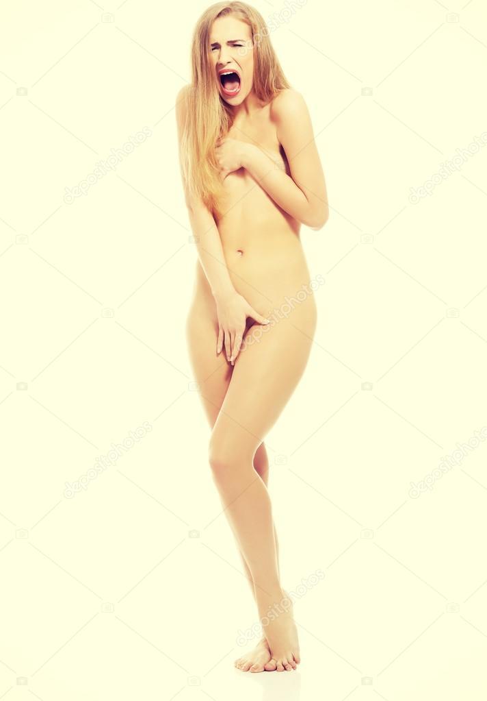 порно зрелая испугалась когда увидели ее голой фото