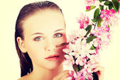 Beautiful face of woman with healthy clean skin. — Stock Photo