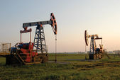 An oil pump jack — Foto Stock
