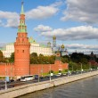 Moscow Kremlin and Moscow river — Stock Photo #13350410