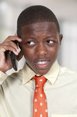 Tonåring på telefonen — Stockfoto