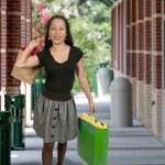Hispanic Woman with Shopping Bags — Stock Photo