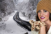 Woman in Winter Hat and Gloves — Stock Photo