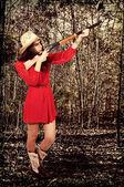 Cowgirl mit gewehr — Stockfoto