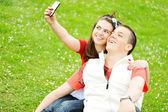 Paar nemen foto — Stockfoto