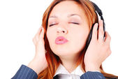 Hermosa modelo con auriculares en cabeza hermosa modelo con auriculares en cabeza — Foto de Stock