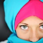 Fashion blue and pink hijab — Stock Photo