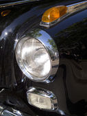 Headlight of a classic car mercedes — Stock Photo
