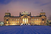 Berlin reichstag christmas snow — Stock Photo