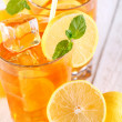 Fresh and cold ice tea with lemon and mint — Stock fotografie