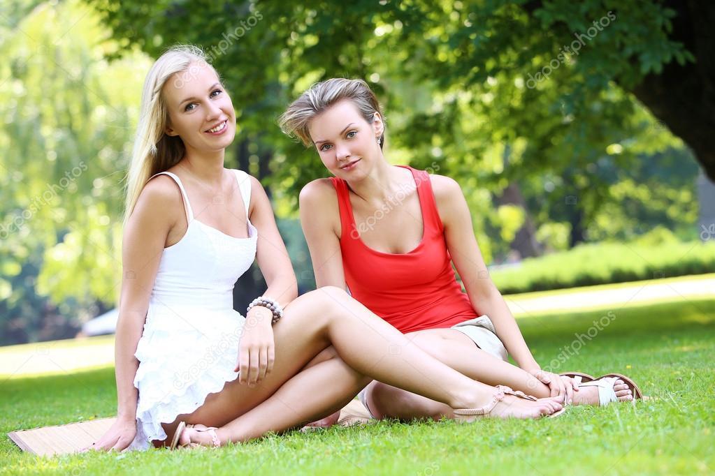 Две девочки имеют друг друга фото фото 411-280