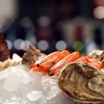 tumori con ostriche in ghiaccio — Foto Stock