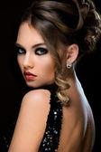 Beautiful woman in dress — Stockfoto