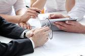 在业务会议上的工作过程的详细信息 — 图库照片