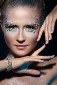 艺术化妆的漂亮女孩 — 图库照片