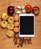 Tablette et l'alimentation — Photo