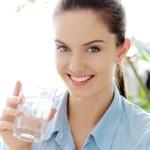 femme avec verre d'eau — Photo #45138591