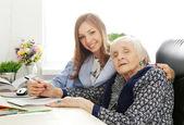 Professor e idosa — Fotografia Stock