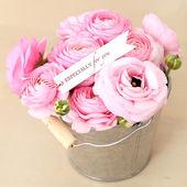 Pink roses bouquet in pot — Stock fotografie
