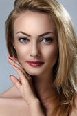Woman with beautiful face — Stockfoto