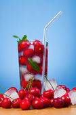Wiśnia napoje — Zdjęcie stockowe