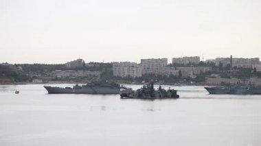 Parade of warships in Sevastopol — Stock Video