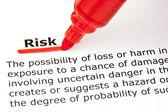 Risiko mit roten marker unterstrichen — Stockfoto