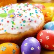 Easter eggs and cake — Stock Photo #13366162