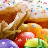 Bolo e ovos de Páscoa — Fotografia Stock