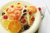 Seafood spaghetti pasta dish with shrimps — Stock Photo