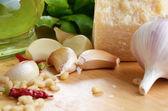 Grondstoffen voor pasta pesto — Stockfoto
