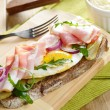 Bacon and fried eggs open sandwich — Stock Photo