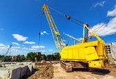 Caterpillar crane — Stockfoto