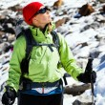 Woman hiking in Himalaya Mountains — Stock Photo