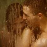 Постер, плакат: Couple in shower