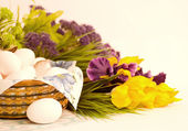 Traditional Easter eggs with flowers — Stock Photo
