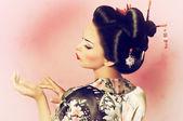 Portrait of a Japanese geisha woman — ストック写真