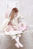 Pembe elbisenin içinde bebek — Stok fotoğraf