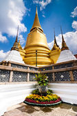 Temple of the Emerald Buddha in the Grand Royal Palace. Thailand — Stock Photo
