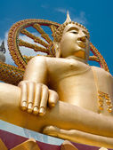 Big golden Buddha statue in Wat Phra Yai Temple. Thailand — Stock Photo