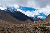 Paisaje de alta montaña himalaya. india — Foto de Stock